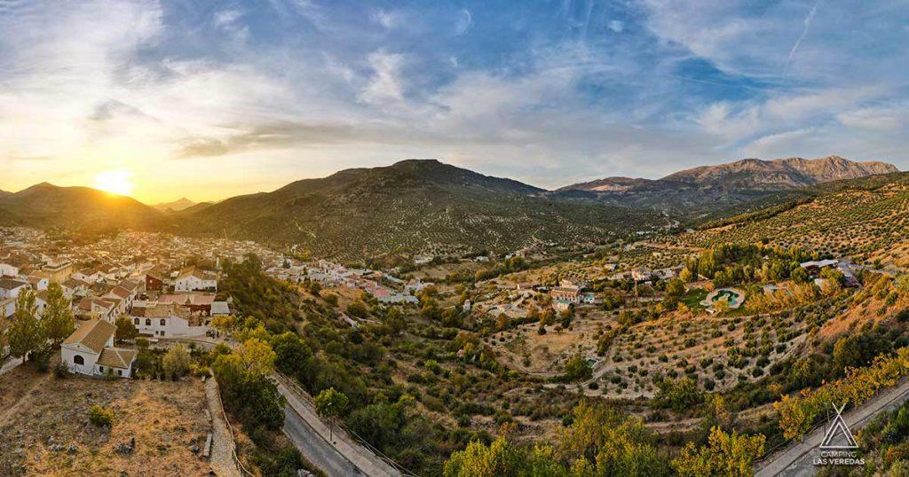 Valdepeñas de Jaén y el Camping Las Veredas